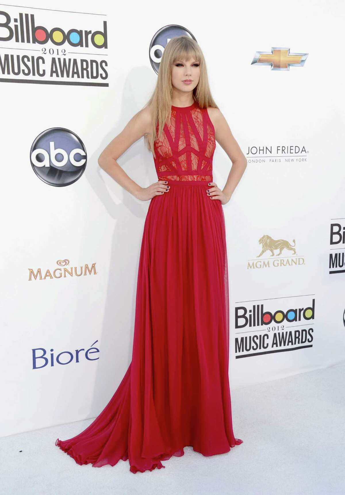 LAS VEGAS, NV - MAY 20: Singer Taylor Swift arrives at the 2012 Billboard Music Awards held at the MGM Grand Garden Arena on May 20, 2012 in Las Vegas, Nevada.