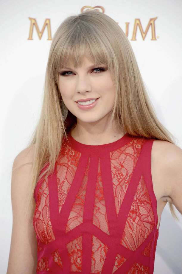 LAS VEGAS, NV - MAY 20:  Singer Taylor Swift arrives at the 2012 Billboard Music Awards held at the MGM Grand Garden Arena on May 20, 2012 in Las Vegas, Nevada. Photo: Frazer Harrison, Getty Images For ABC / 2012 Getty Images