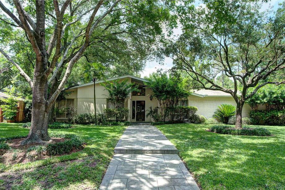 8720 Cavell Ln | Agent: Katherine Stewart | Greenwood King Properties | 713-914-8716 | Photo: GWK