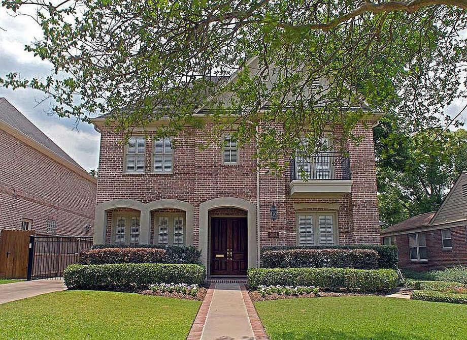 3921 Case  | Agent: Lee Kaplan | Greenwood King Properties | 713-524-0888 | Photo: GWK