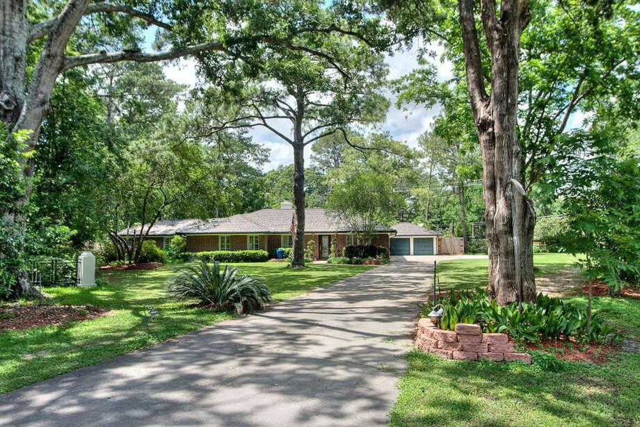 25 Gage Ct  | Agent: Virginia Andrews Jackson | Greenwood King Properties | 713-542-1480 | Photo: GWK