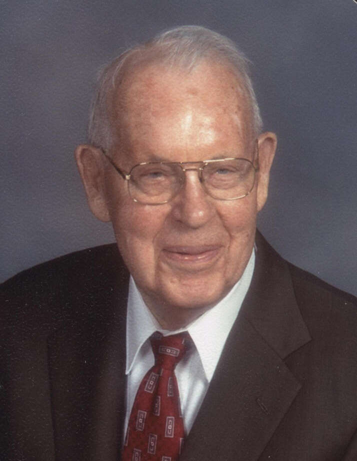 "Willard Choyse ""Bill"" Minton, 97, passed away on May 13 at Methodist Hospital in San Antonio."