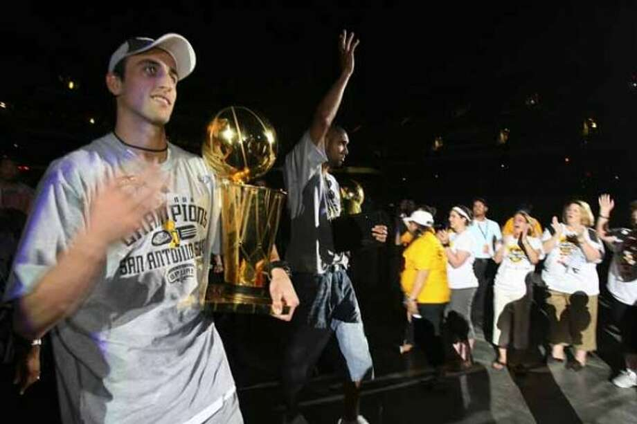 San Antonio Spurs Manu Ginobili and Tim Duncan arrive at the Alamodome as they celebrate their fourth NBA Championship title at the Alamodome on Sunday, June, 17, 2007.  ( EDWARD A. ORNELAS  STAFF ) (SAN ANTONIO EXPRESS-NEWS)