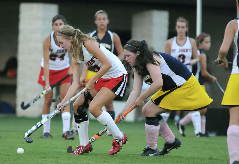 A field hockey game between two private schools, St. John's and Duchesne. Photo: Jerry Baker / Freelance