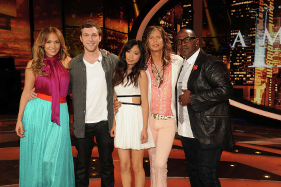 AMERICAN IDOL: The final 2 with the judges: L-R: Jennifer Lopez, Phillip Phillips,  Jessica Sanchez,