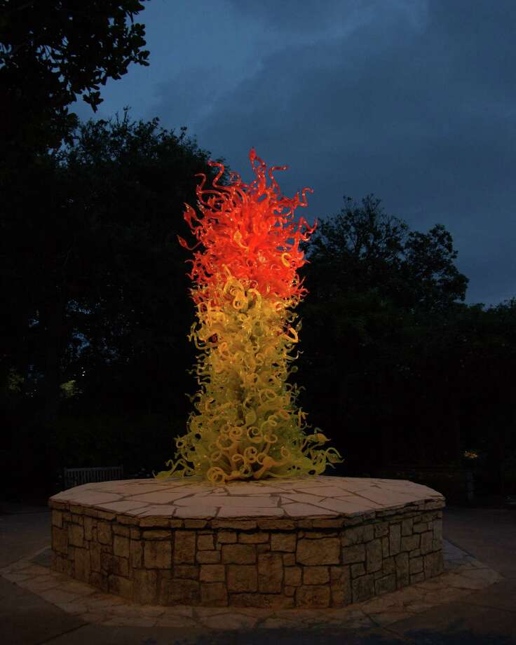 Chihuly glass art on exhibit at Dallas Arboretum. Photo: Picasa, Dallas Arboretum