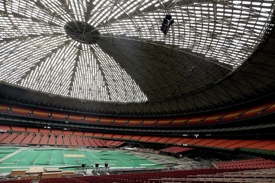 The Astrodome sits empty and falling into disrepair, 47 years after it opened. Photo: Mayra Beltran, Houston Chronicle / Houston Chronicle