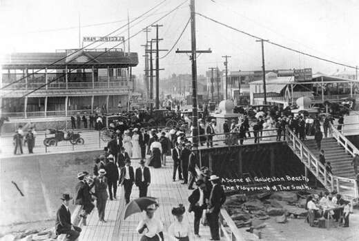 Electric Park, built in 1906 at 25th and Seawall Boulevard, was at the epicenter of Galveston tourism. The Pleasure Pier would later come to the area.(Galveston County Historical Museum)