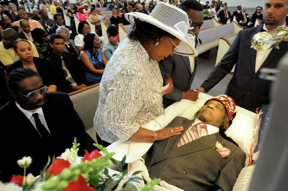 Left Eye Open Casket Pictures to Pin on Pinterest - PinsDaddy
