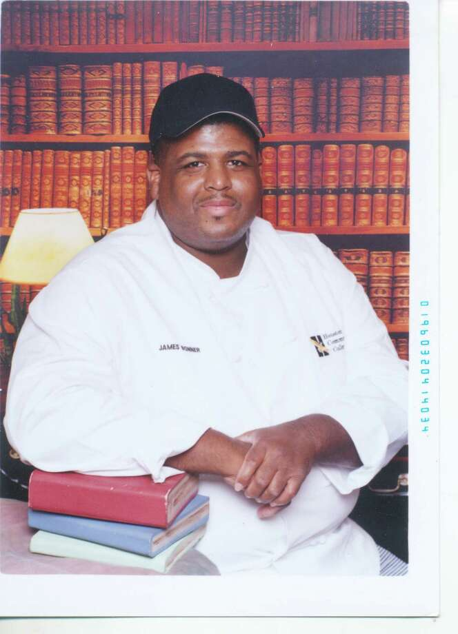 HEB employee James Bonner weighs 350 pounds in 2010 when he graduates from HCC with a pastry degree. (Family Photo)