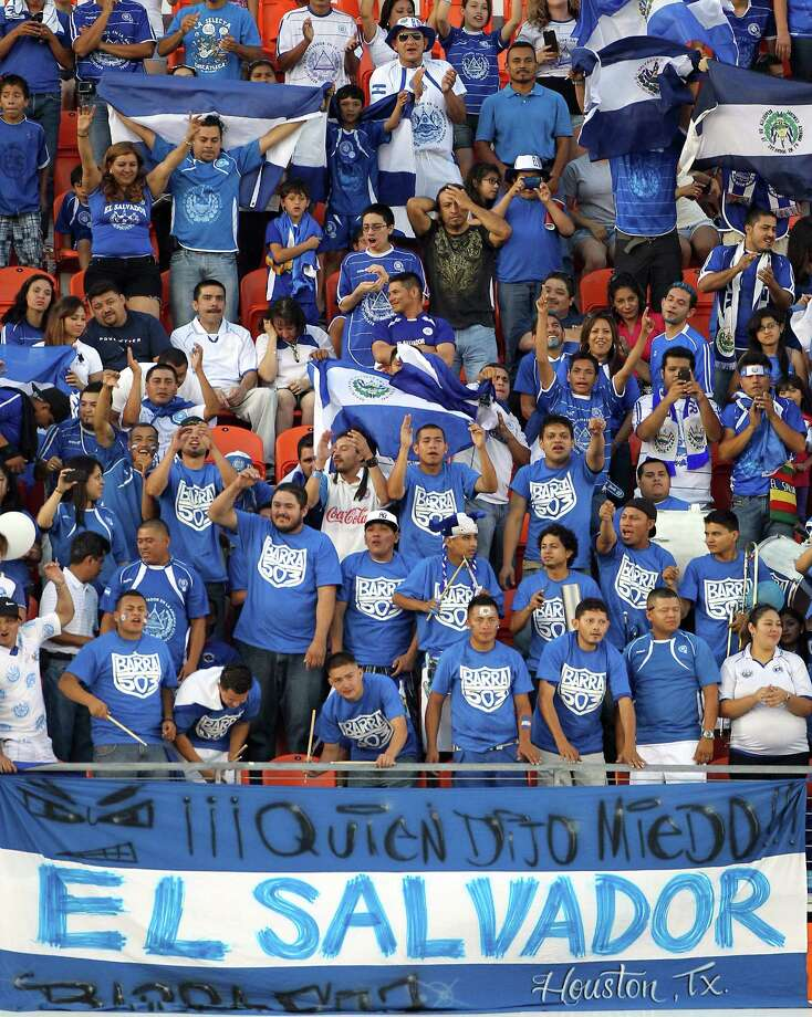 Fans and countrymen of El Salvador cheer as their team walks onto the field before an international friendly game, Wednesday, May 23, 2012, in BBVA Compass Stadium in Houston. Photo: Nick De La Torre, Houston Chronicle / © 2012  Houston Chronicle