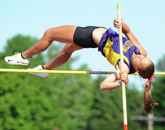 Ballston Spa junior Olivia Matthews, 17, attempts the 9' 6