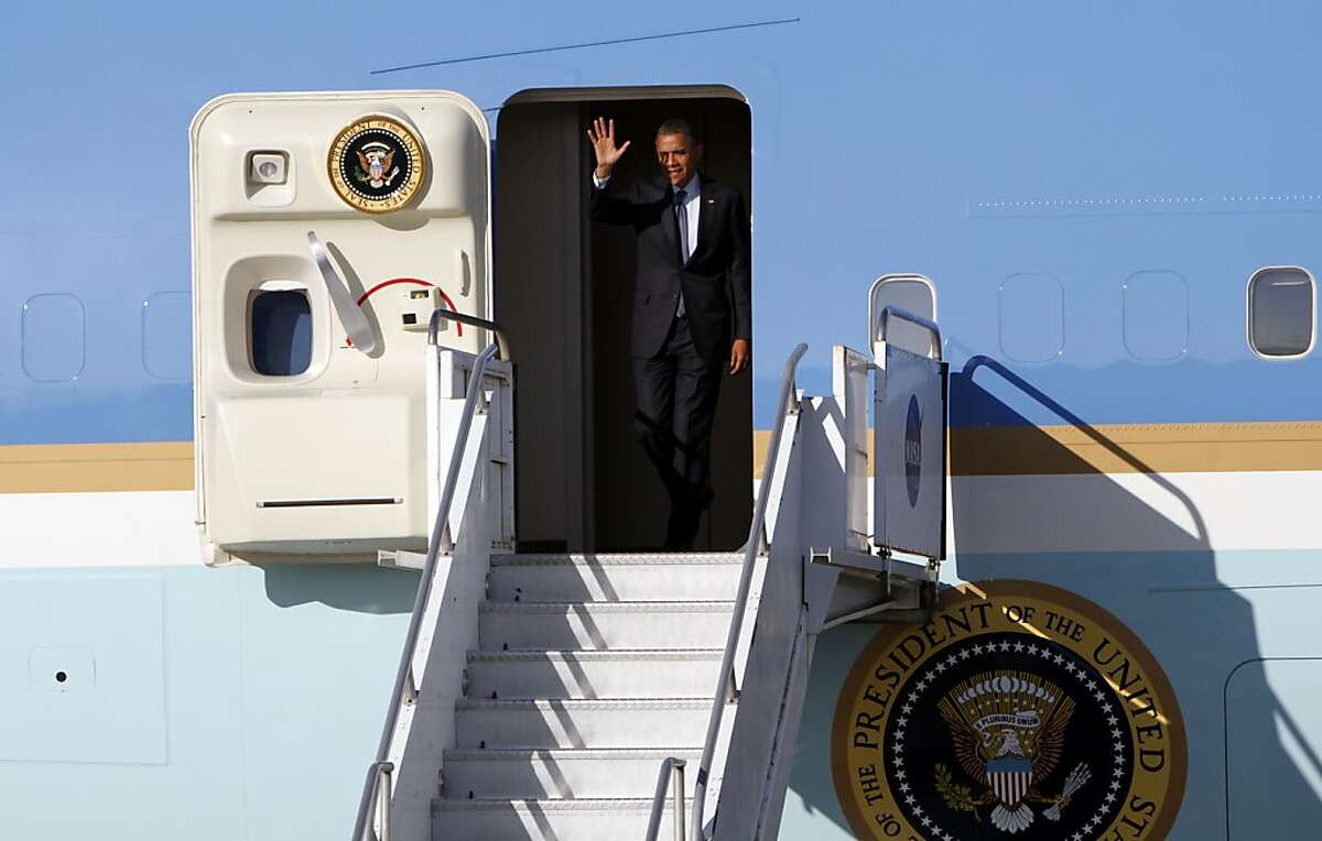 President Obama arrives on Air Force One at Moffett Federal Airfield in Mountain View, Calif., Wednesday, May 23, 2012.