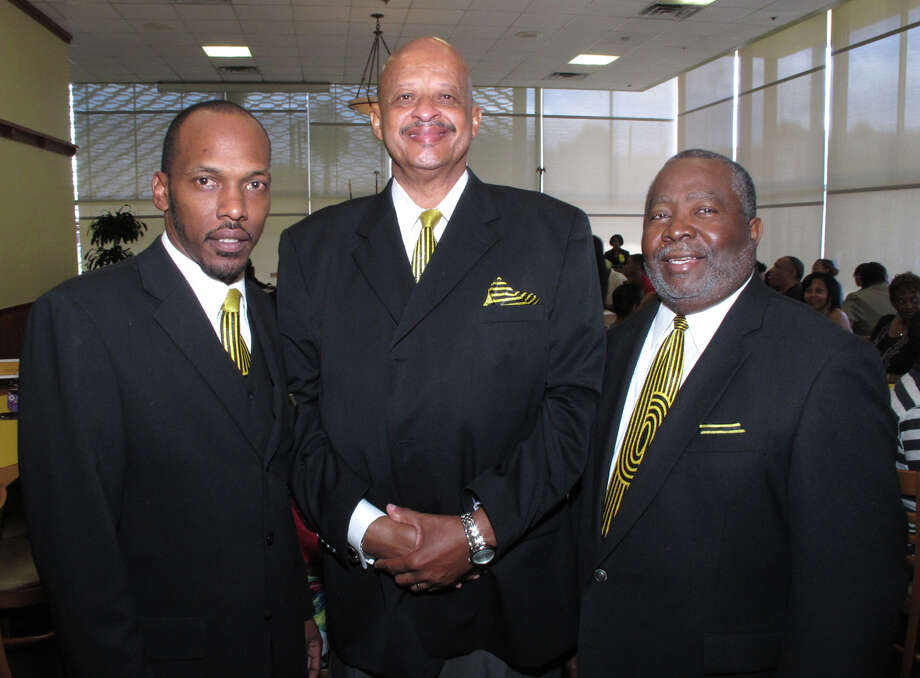 OTS/HEIDBRINK - Committee member Tony Hendricks, from left, scholarship chairman Rudolph Coleman and president Edward Wilson gather at the Zulu Association scholarship luncheon at the downtown Luby's on 5/19/2012. names checked photo by leland a. outz Photo: LELAND A. OUTZ, SPECIAL TO THE EXPRESS-NEWS / SAN ANTONIO EXPRESS-NEWS