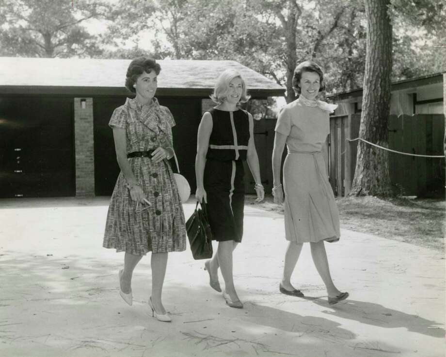 Astronauts' wives had precious little privacy. Here in 1962, Annie Glenn, wife of astronaut John Glenn; Rene Carpenter, wife of astronaut M. Scott Carpenter; and Louise Shepard, wife of astronaut Alan Shepard visit the home of astronaut Walter Schirra in Timber Cove. Photo: Larry Evans