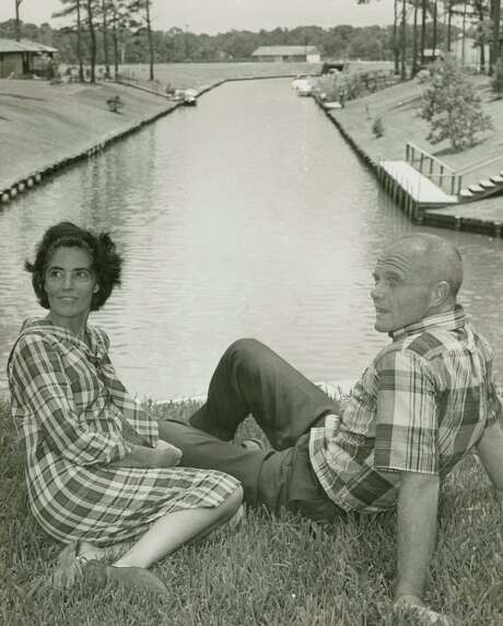 July 1965: Annie and John Glenn enjoy the view near their Timber Cove home. Photo: World Book Encyclopedia