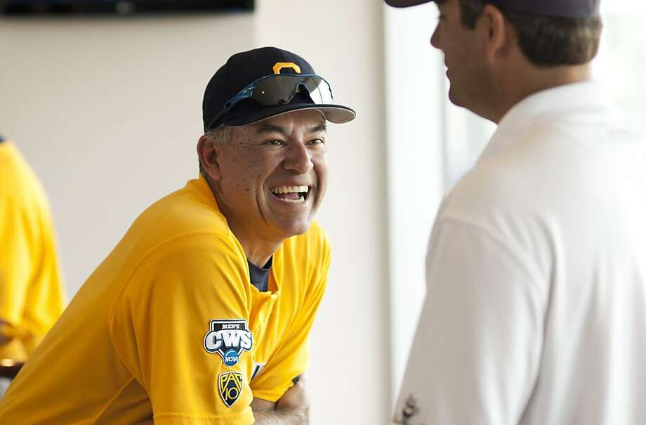 University of California Berkeley baseball coach David Esquer talks to former professional baseball player Robin Ventura during opening day celebrations on Friday, June 17 at TD Ameritrade Park Omaha for the College World Series in Omaha, Nebraska. Photo: Daniel Johnson, Special To The Chronicle