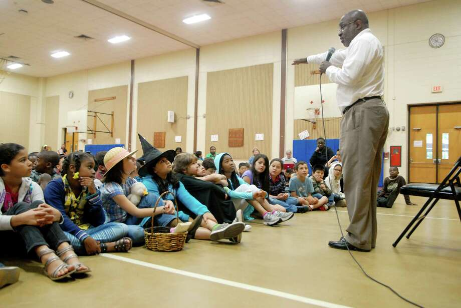 """Storyteller Laconia """"Lot"""" Therrio tells stories in a assembly at Stillmeadow Elementary School's Third Annual Literacy Day in Stamford, Conn. on Friday May 25, 2012. Photo: Dru Nadler / Stamford Advocate Freelance"""