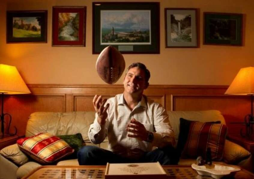 Craig James at home. (Cody Duty / Houston Chronicle)