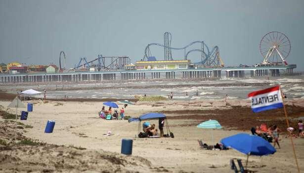 Pleasure Pier on opening day, Friday, May 25, 2012, in Galveston. Photo: Karen Warren, Houston Chronicle / © 2012  Houston Chronicle