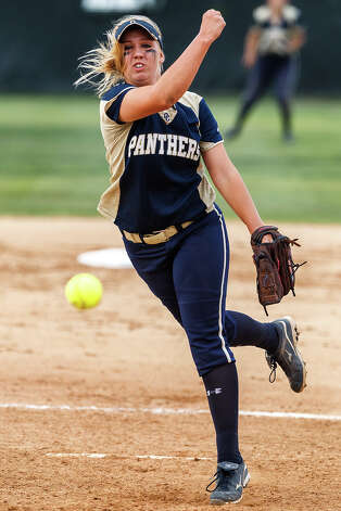 O'Connor's Kenedy Urbany throws to the plate during their 5A regional final game with Holmes at Northside Softball Field on May 25, 2012.  O'Connor advanced to the state finals with a 9-2 victory over the Lady Huskies.  MARVIN PFEIFFER/ mpfeiffer@express-news.net Photo: MARVIN PFEIFFER, Express-News / Express-News 2012