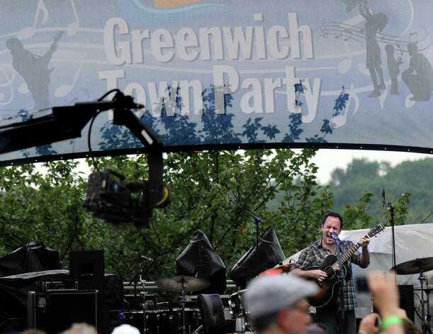 Dave Matthews performs during the Greenwich Town Party at Roger Sherman Baldwin Park, Saturday, May 26, 2012. Photo: Bob Luckey / Greenwich Time