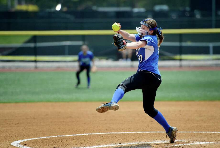 Darien High School pitcher Jessica DeMaio winds up during the FCIAC Softball Championship game vs Westhill High School at Sacred Heart University, Fairfield, CT. Saturday May, 26th, 2012. Photo: Mark Conrad / Connecticut Post Freelance