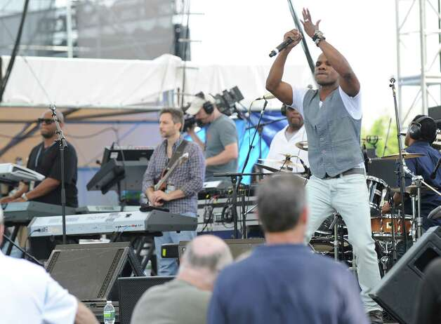 Kirk Franklin performs during the Greenwich Town Party at Roger Sherman Baldwin Park, Saturday, May 26, 2012. Photo: Bob Luckey / Greenwich Time