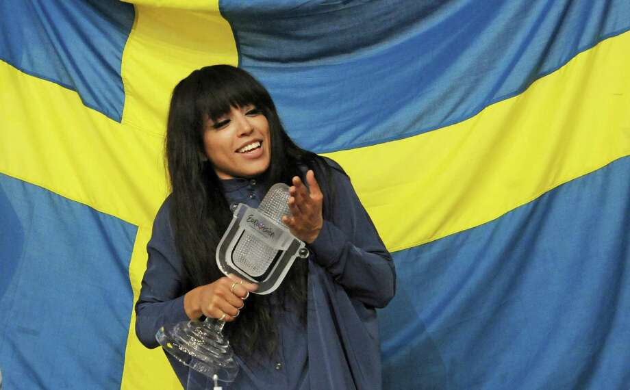 Sweden's Loreen poses with her trophy prior to a news conference after winning the 2012 Eurovision Song Contest at the Baku Crystal Hall in Baku, Azerbaijan, Sunday, May 27, 2012. Photo: AP