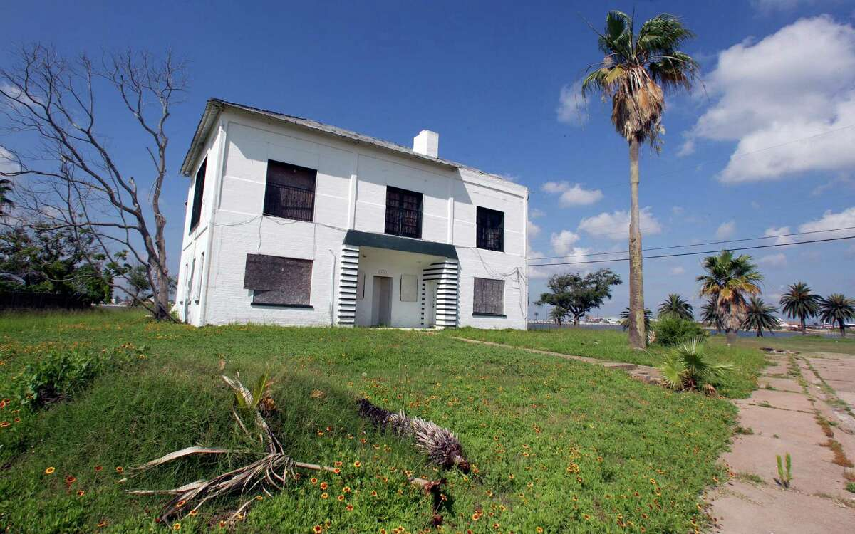 A vacant home along Bayou Shore Drive is one of many dotting Galveston Island since Hurricane Ike hit in 2008.