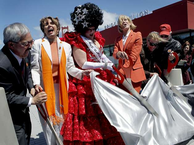 "Joining in the festivities for the Golden Gate Bridge's 75th anniversary are Mayor Ed Lee (left), Rep. Nancy Pelosi, Tammy Nelson of ""Beach Blanket Babylon,"" bridge district President Janet Reilly, and committee members Lisa and Douglas Goldman. Photo: Paul Chinn, The Chronicle"