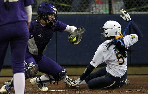 University of California Elia Reid scores in the 4th inning off a single against the Washington Huskies during their NCAA Super Regional game Saturday, May 26, 2012 in Berkeley Calif. Photo: Lance Iversen, The Chronicle