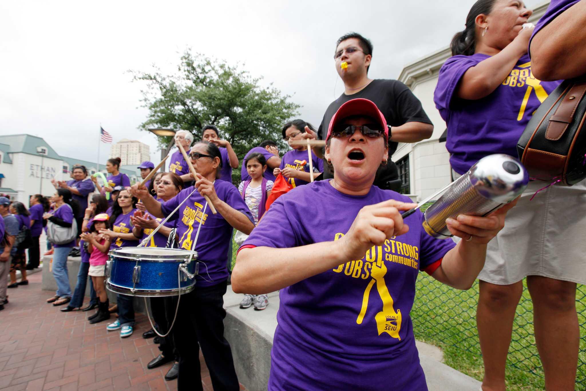 Union janitors want share of improved Houston economy - Houston