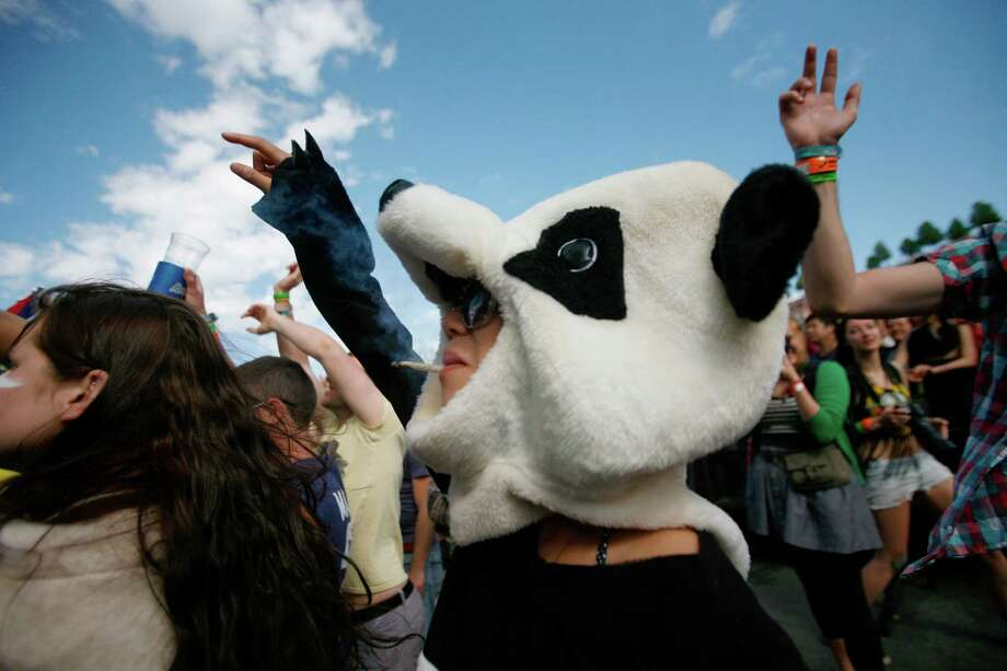A concert attendee dances to Chiddy Bang. Photo: SOFIA JARAMILLO / SEATTLEPI.COM
