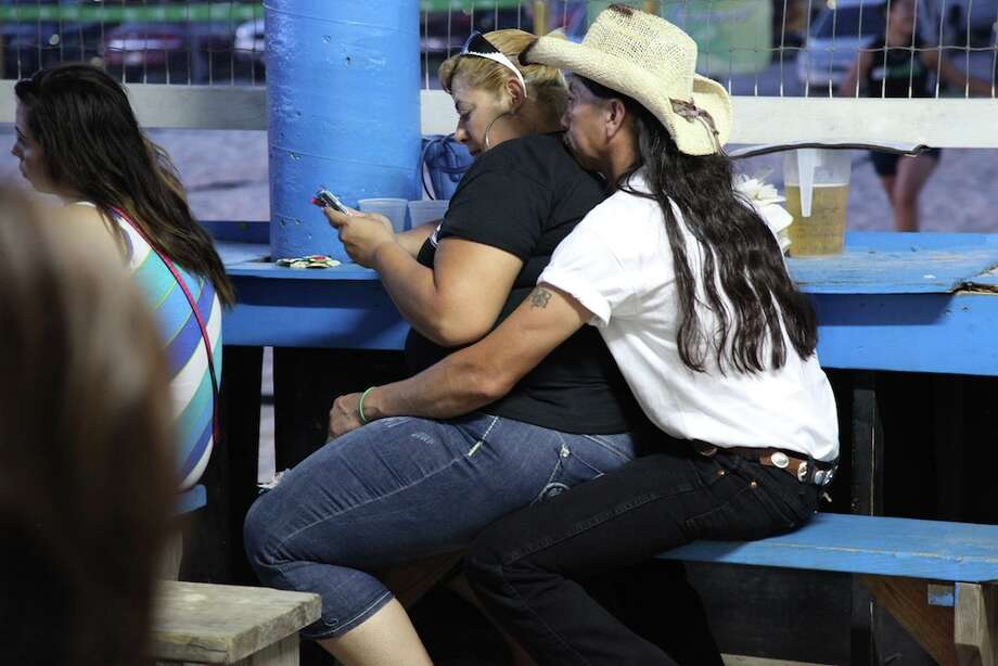 mySpy: Spurs fans at Fatso's Photo: Xelina Flores-Chasnoff