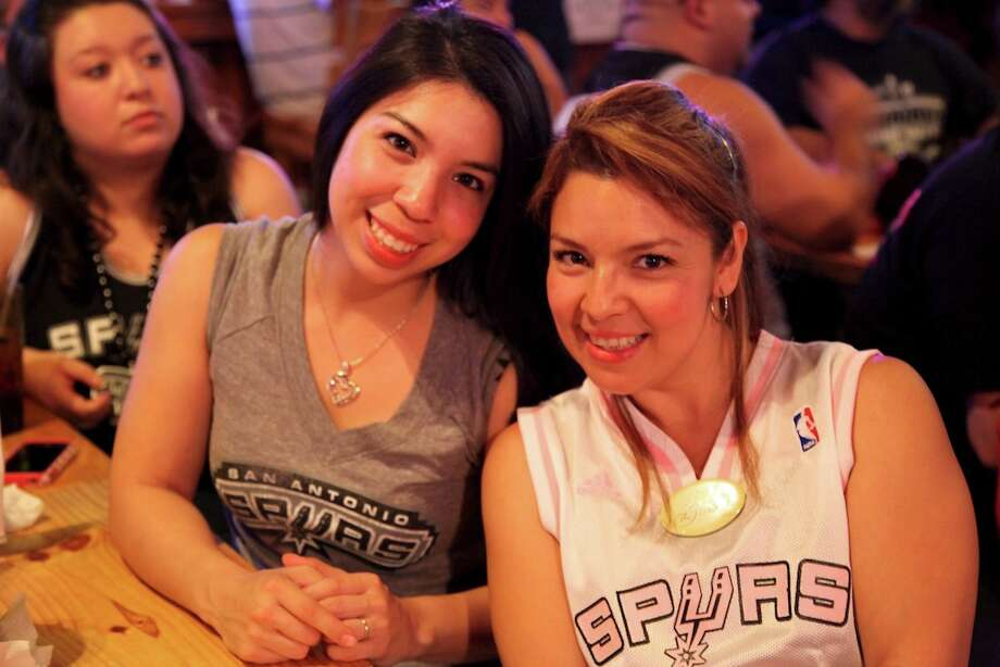 mySpy: Spurs fans at Fatso's Photo: Xelina Flores-Chasnoff