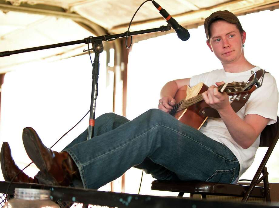 Singer-songwriter John Fullbright in 2009 Photo: Courtesy Vicki Farmer / ©2009 VICKI FARMER