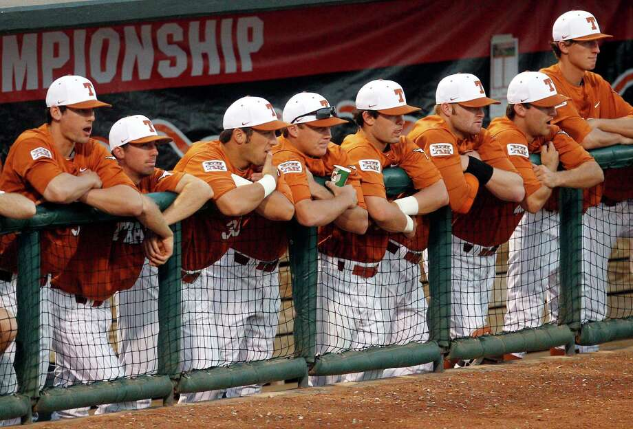 The Longhorns failed to reach the NCAA D-I baseball tournament for the first time since 1998. Photo: Sue Ogrocki, Associated Press