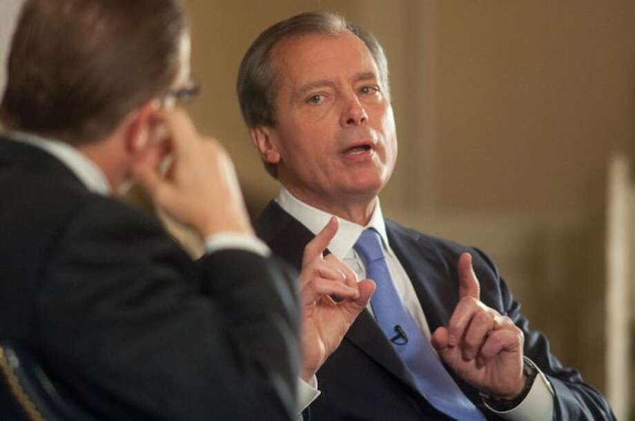 Texas Tribune's Evan Smith questions David Dewhurst. (Texas Tribune)