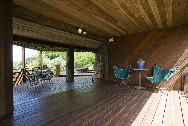There are three decks —including one under the home — all with panoramic views of the Bay Area. Photo: Rob Jordan