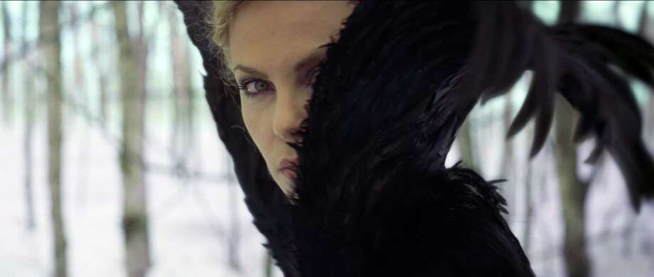 CHARLIZE THERON as the Queen in the epic action-adventure ?Snow White and the Huntsman?, the breathtaking new vision of the legendary tale from the producer of ?Alice in Wonderland?. Photo: Photo Credit: Universal Pictures