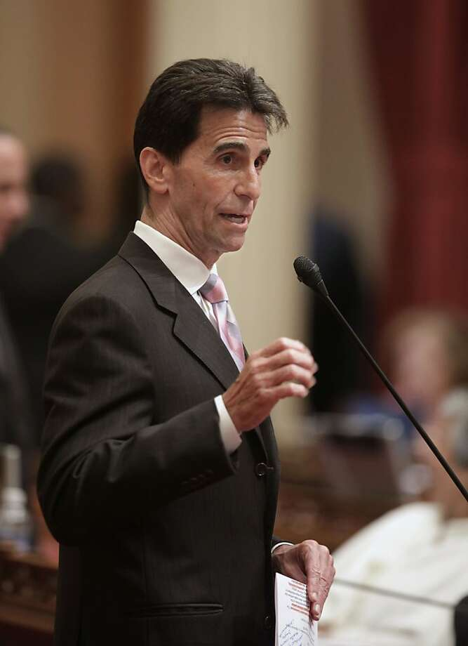 """""""In the past, the argument against providing driver's licenses has been  that it would be rewarding someone who has broken the law,"""" said state  Sen Mark Leno, D-San Francisco. """"But now we're talking about people who, by definition, have not broken anylaws."""" Photo: Rich Pedroncelli, AP"""