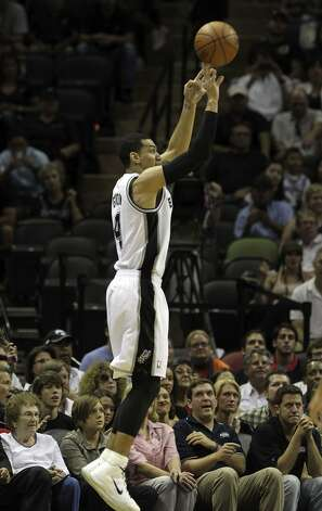 San Antonio Spurs' Danny Green (4) makes a three point basket during the first half of game two of the NBA Western Conference Finals in San Antonio, Texas on Tuesday, May 29, 2012. Kin Man Hui/Express-News (Kin Man Hui / San Antonio Express-News)