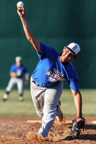 Brackenridge's Joseph Gonzales throws to the mound for the West all-stars during the Valley-Hi Optimist all-starr game at Tejeda Sports Complex on May 29, 2012. Photo: MARVIN PFEIFFER, Marvin Pfeiffer/ Mpfeiffer@express-news.net / Express-News 2012