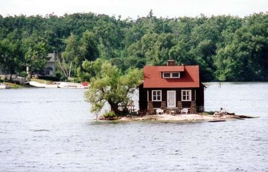 An island on the St. Lawrence River. (Via Buzz Feed)