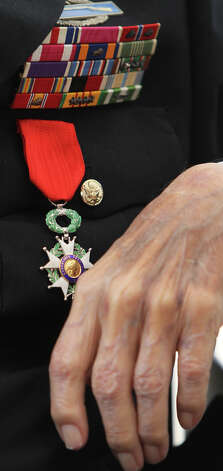 Edward Kerker of San Antonio wears the Legion of Honor, France's highest award to foreign military service members. Photo: John Davenport, San Antonio Express-News