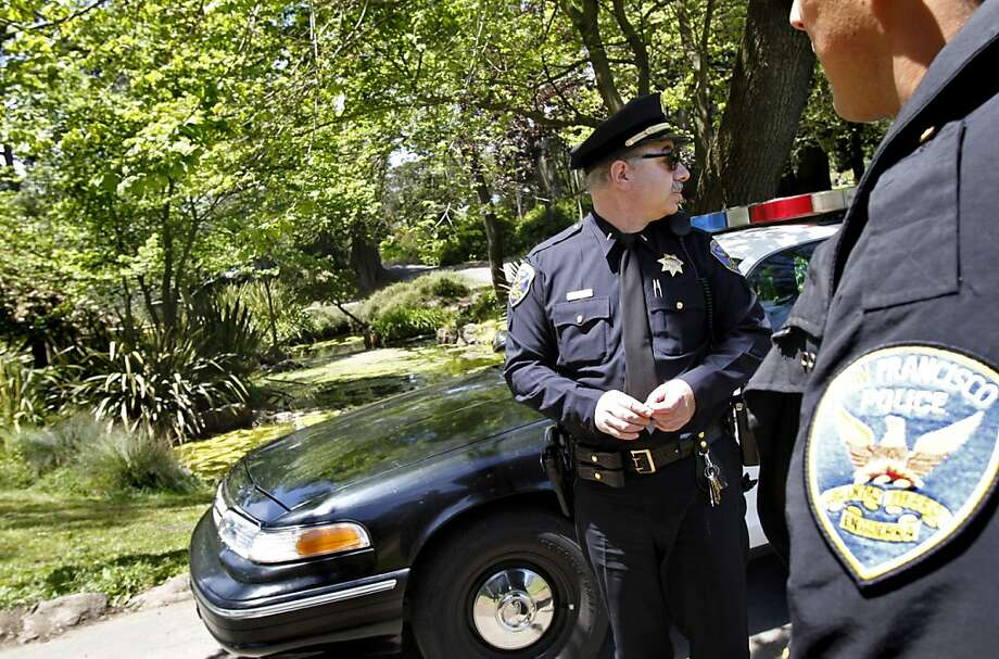 San Francisco police Lt. Mike Caplan keeps an eye on the Alvord Lake area in Golden Gate Park in preparation for a school field trip passing through in San Francisco, Calif., Tuesday, May 22, 2012.  The area has been experiencing problems with drug dealing. Photo: Sarah Rice, Special To The Chronicle