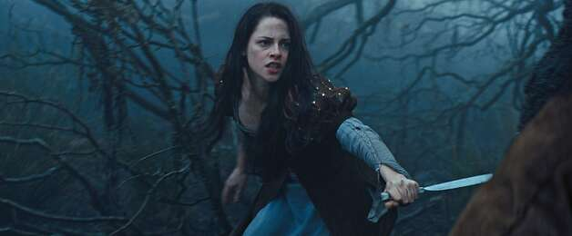 "KRISTEN STEWART as Snow White in the epic action-adventure ""Snow White and the Huntsman"", the breathtaking new vision of the legendary tale from the producer of ""Alice in Wonderland"". Photo: Universal Pictures"