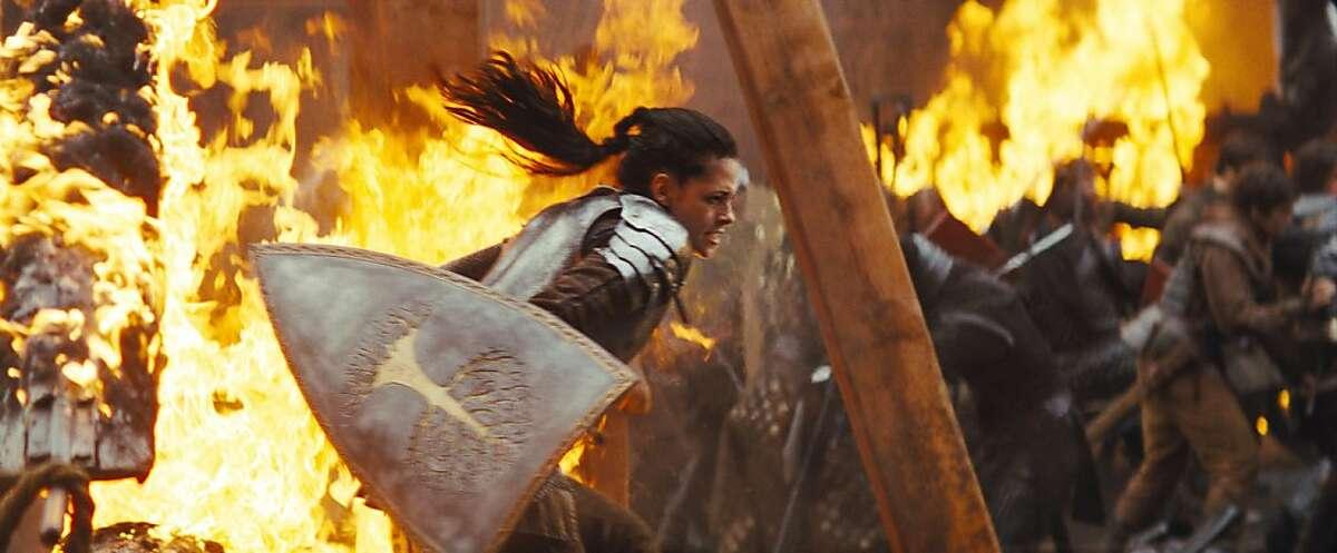 Snow White (KRISTEN STEWART) leads the Duke's men into battle in the epic action-adventure