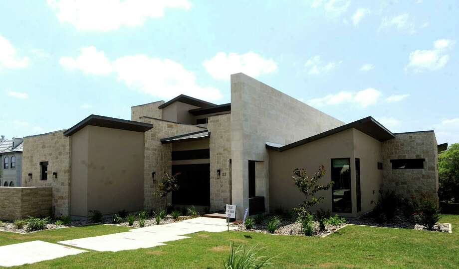 The Adam Wilson Custom Homes at 22 Via Aragon is #7 on the Parade of Homes on Wednesday, May 30, 2012. Photo: Billy Calzada, San Antonio Express-News / © 2012 San Antonio Express-News